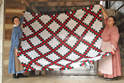 Made by Hand: Spring Quilting Beeat the Homeplace