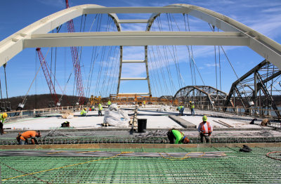 KET to Air Documentary on Construction of Lake Bridges
